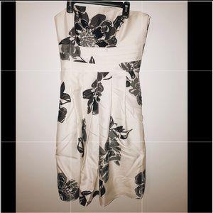 ANN TAYLOR: white & black floral knee length dress